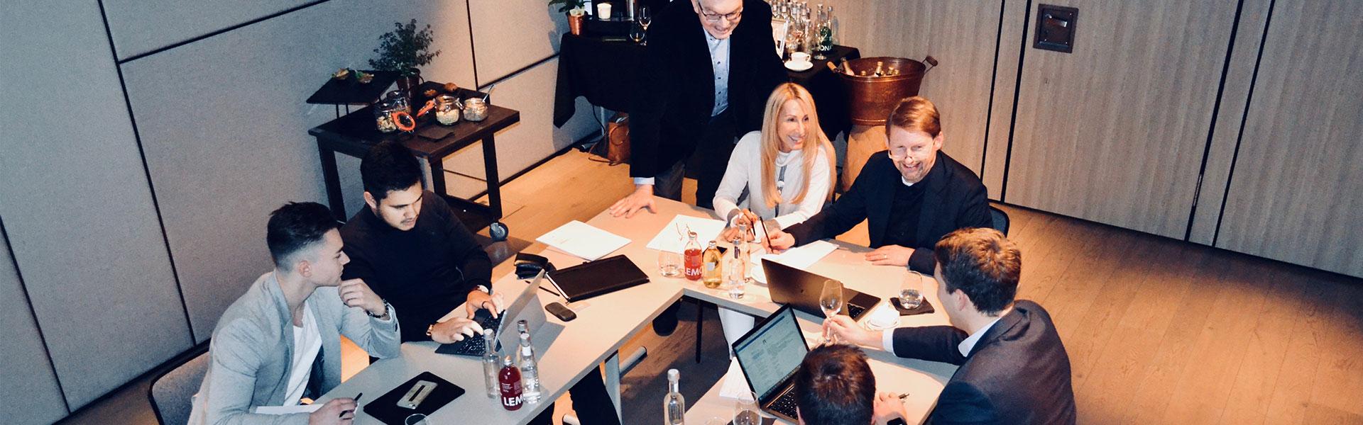 Team Motivation Spirit Mission Vision Meeting Brainstorming Strategie der Unternehmensberatung W+W Consulting GmbH in Ettlingen Karlsruhe Baden-Württemberg Deutschland
